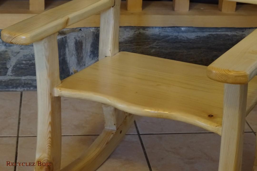 chaise bascule pour enfant recyclez bois. Black Bedroom Furniture Sets. Home Design Ideas