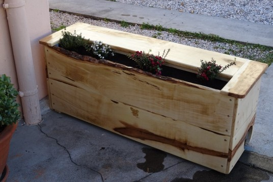 Jardinière en bois d'érable