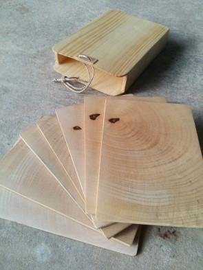 Jeu de cartes en bois