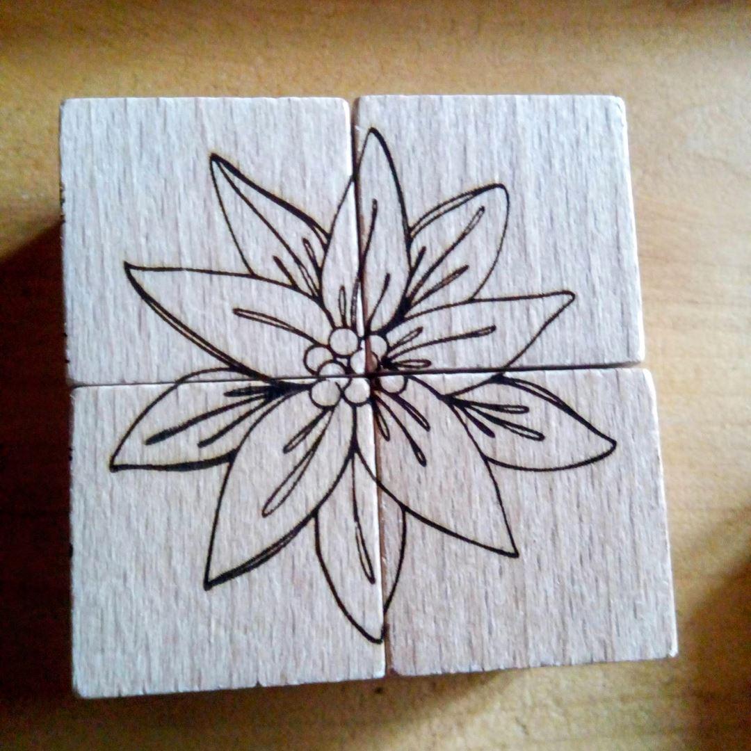 Edelweiss Puzzle en bois gravure style montagne