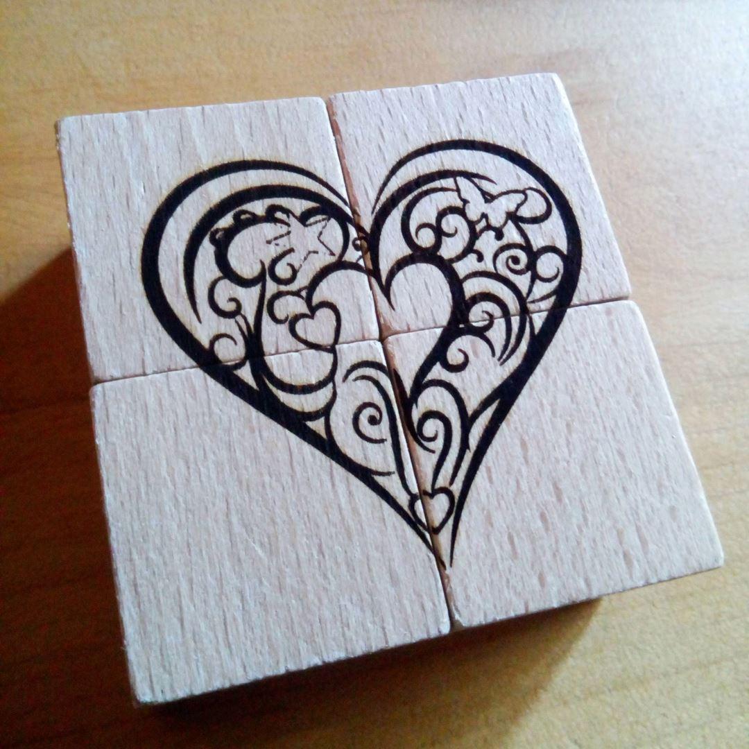 Coeur Puzzle en bois gravure style montagne