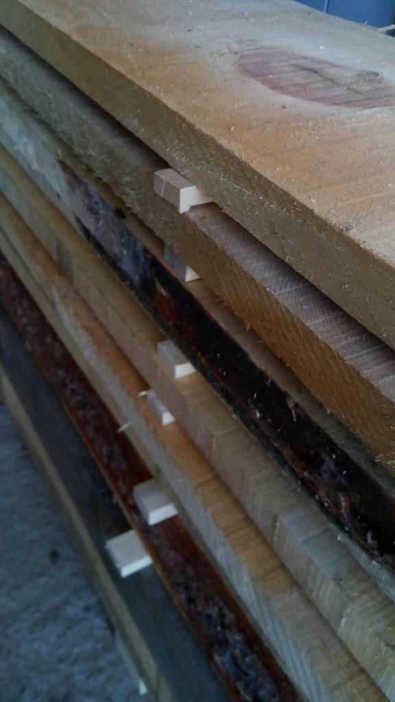 Planche en bois massif 100% local