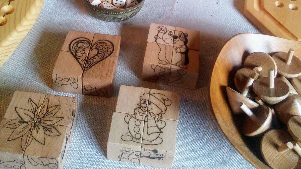 Puzzle en bois 4 cubes montagne