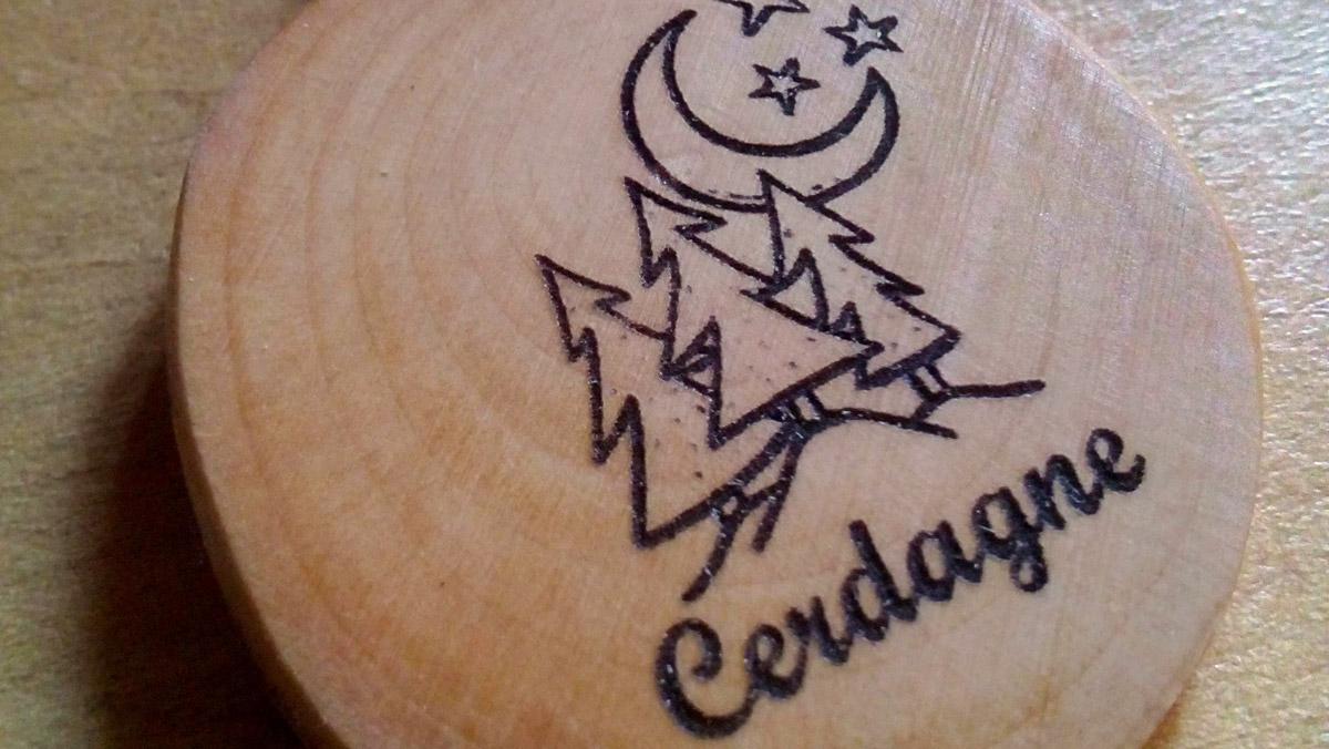 Porte clés en bois artisanal de Cerdagne